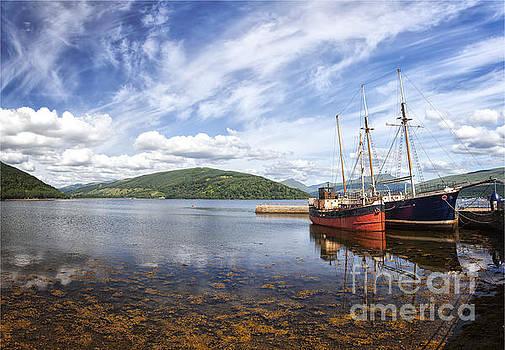 Sophie McAulay - Inveraray fishing boats