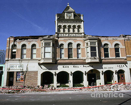 California Views Mr Pat Hathaway Archives - I.O.O. F. Building built in 1893  damaged by the Loma Prieta earthquake 1989