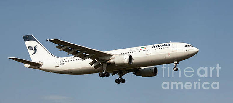 Iran Air Airbus A300-600 landing at London, UK by Colin Cuthbert