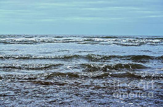 Spade Photo - Irish waves