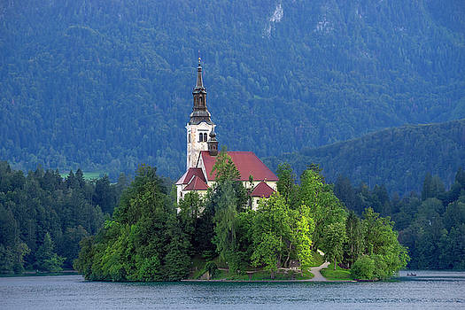 Vyacheslav Isaev - Island with church on Bled lake, Slovenia