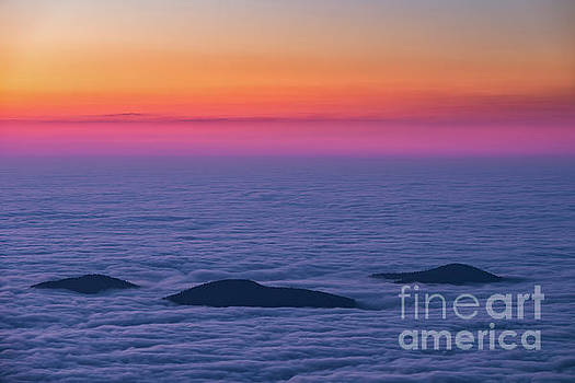 Islands in the Sky by Anthony Heflin