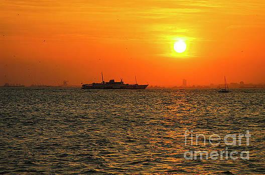 Bob Phillips - Istanbul Sunset