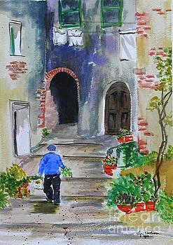Italian Alleyway by Lynda Cookson