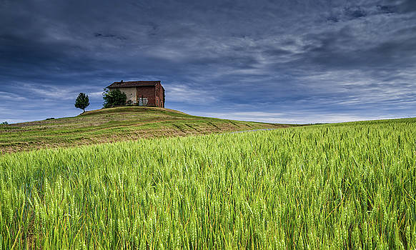 Italian farm by Livio Ferrari