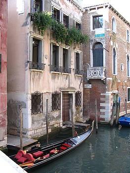 Yvonne Ayoub - Italy Venice gondola on a canal 02