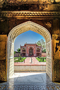 Maria Coulson - Itmad-ud-Daulah Tomb Complex