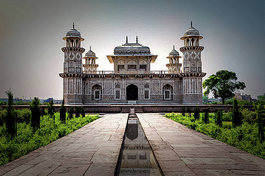 Maria Coulson - Itmad-ud-Daulah Tomb