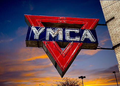 It's Fun To Stay at The YMCA by Linda Unger