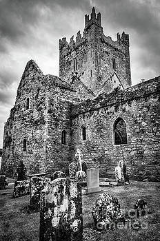RicardMN Photography - Jerpoint Abbey And Old Gravestones BW