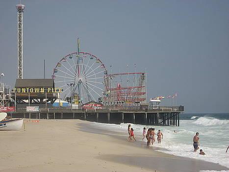 Jersey Shore Summer by Jennifer  Sweet