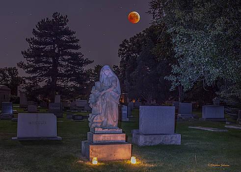 Jessie Monument under the Blood Moon by Stephen  Johnson
