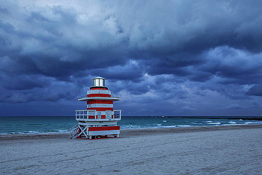 Jetty Lifeguard Tower by Claudia Domenig