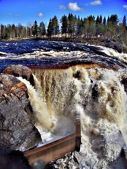 Jockfall, waterfall in the north of Sweden by Webbon