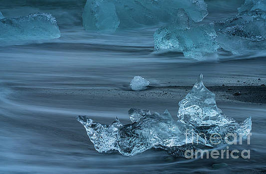 Jokulsarlon Ice Motion by Mike Reid