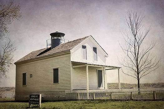Jones Point Lighthouse by Susan Isakson
