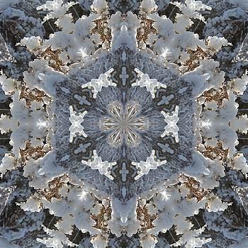 Valerie Kirkwood - Juniper Snow Glow Kaleidoscope