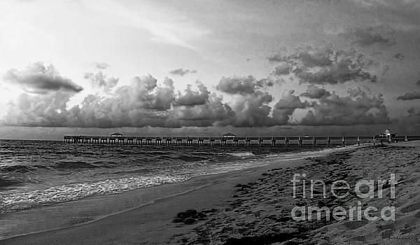Ricardos Creations - Juno Beach Pier Florida Sunrise Seascape C7 Black and White