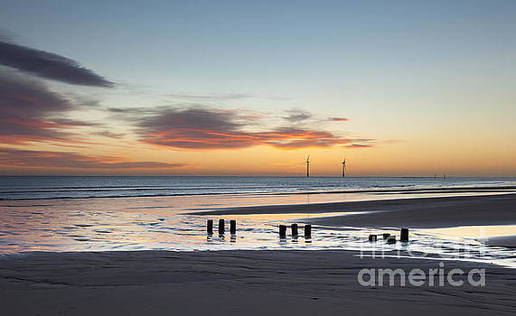 Just before sunrise at Cambois Beach. by John Cox