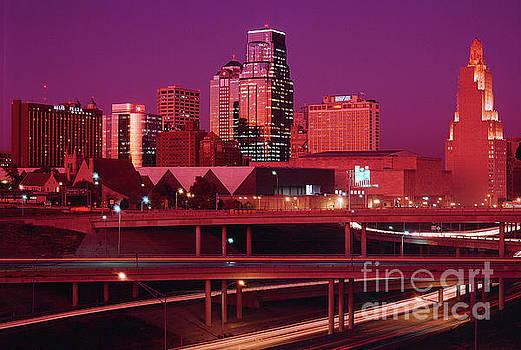 Gary Gingrich Galleries - Kansas City Skyline 1991