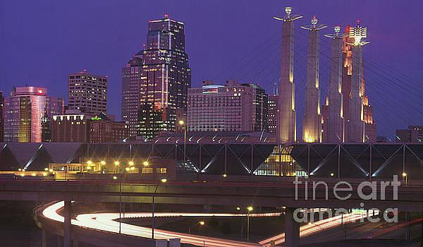 Gary Gingrich Galleries - Kansas City Skyline 1998