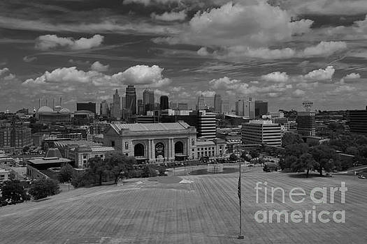 KC Skyline by Lisa Plymell