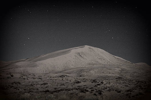 Kelso Dunes at Night by Nature Macabre Photography