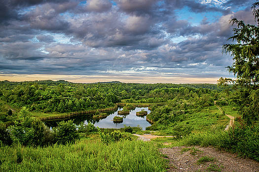 Kentucky Hills and Lake by Lester Plank