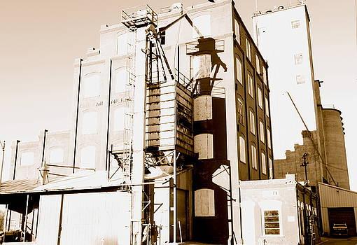 Kingman Industry by Jennifer  Lane