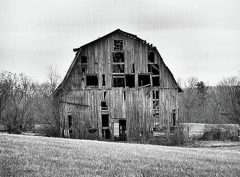 Kings Highway Barn by Troy  Skebo