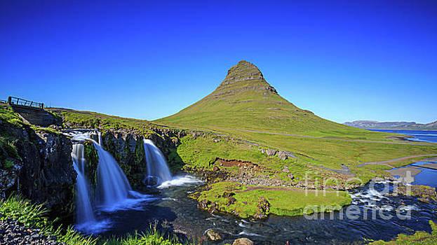 Kirkjufell Iceland by Edward Fielding