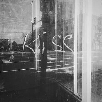 Kiss by Dylan Murphy
