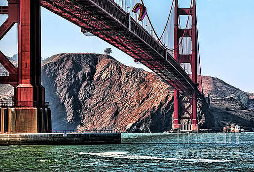 Chuck Kuhn - Kite Surfing Golden Gate Bridge