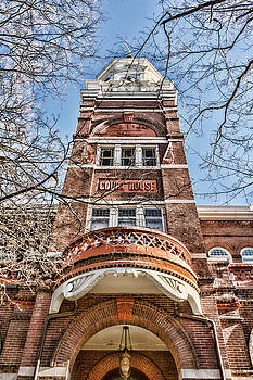 Sharon Popek - Knox County Courthouse Up View