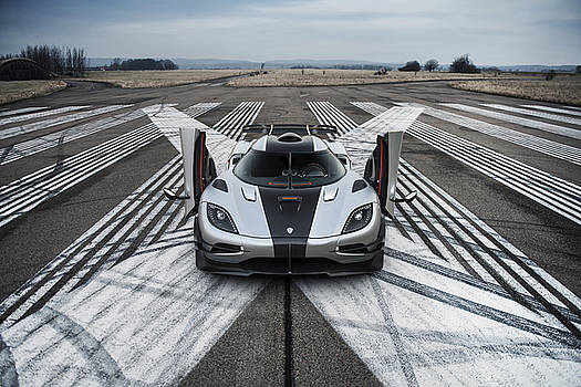 Koenigsegg One1 by George Williams
