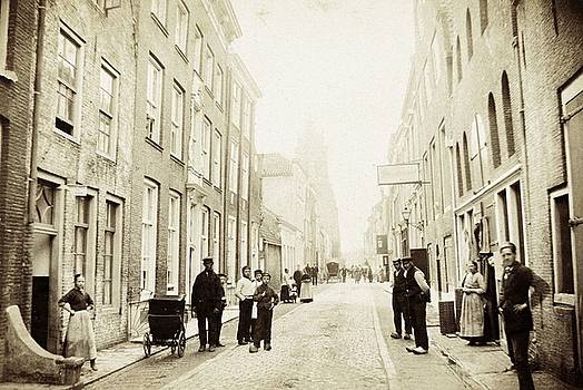 Koestraat te Schoonhoven, Netherlands, c. 1870 - 1880 by Vintage Printery