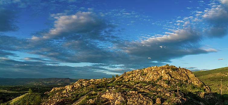 Kuipers' Peak in the Sun by Dave Matchett