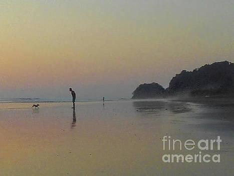 Felipe Adan Lerma - la Casita Playa Hermosa Puntarenas Costa Rica - Playtime