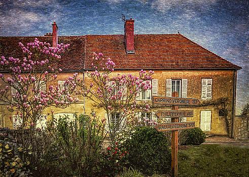 La Maison by Chris Hood