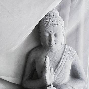 Buddha by Jul V