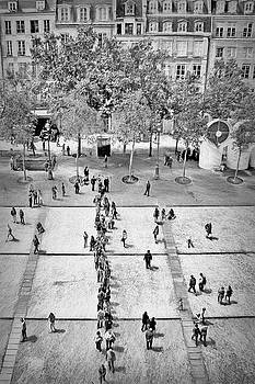 Nikolyn McDonald - La Place Georges-Pompidou