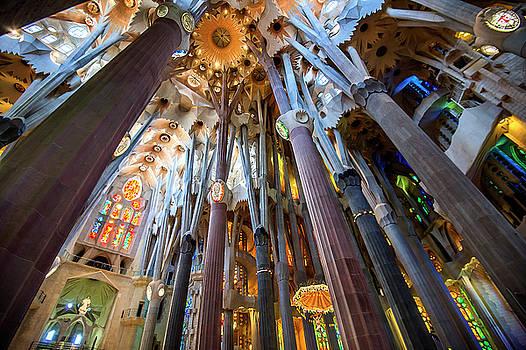 la Sagrada Familia by Alida Thorpe