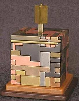 Labyrinth- Puzzling Bank 42 Pieces by Gare Maxton