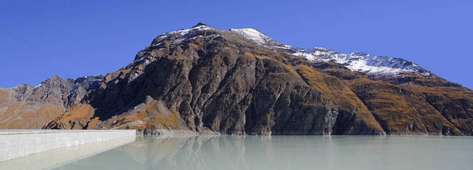 Lac Des Dix by Marc Huebner