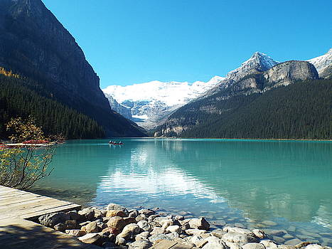 Lac Louise, Canada by Gilbert Pennison