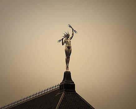 Lady Electra by Just Birmingham