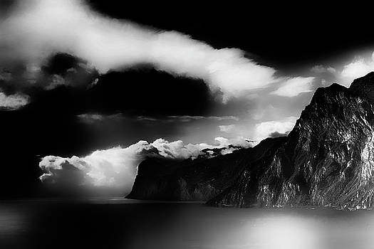 Lago di Garda black and white by Frank Andree