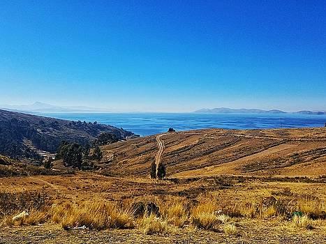Lago Titicaca by Drew Hutto