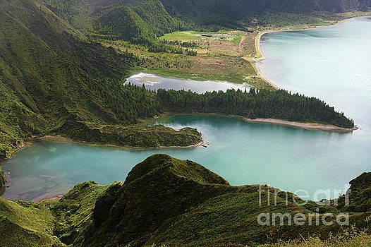 Lagoa do Fogo by Jan Brons