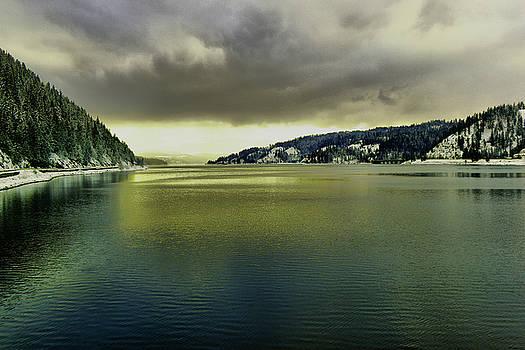 Lake Coeur d' Alene by Jeff Swan